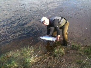 Neil Dyson from Preston 12lb Salmon, his first ever Springer ,The Guay Pool, 05/04/11